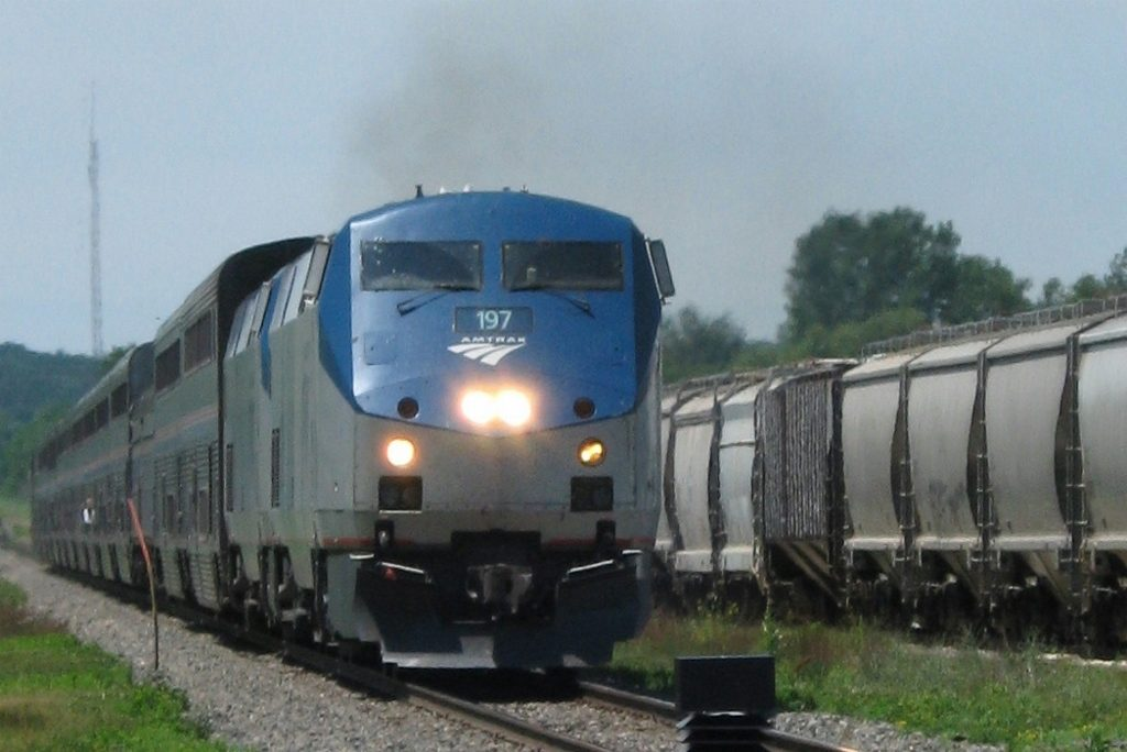 riding amtrak with kids