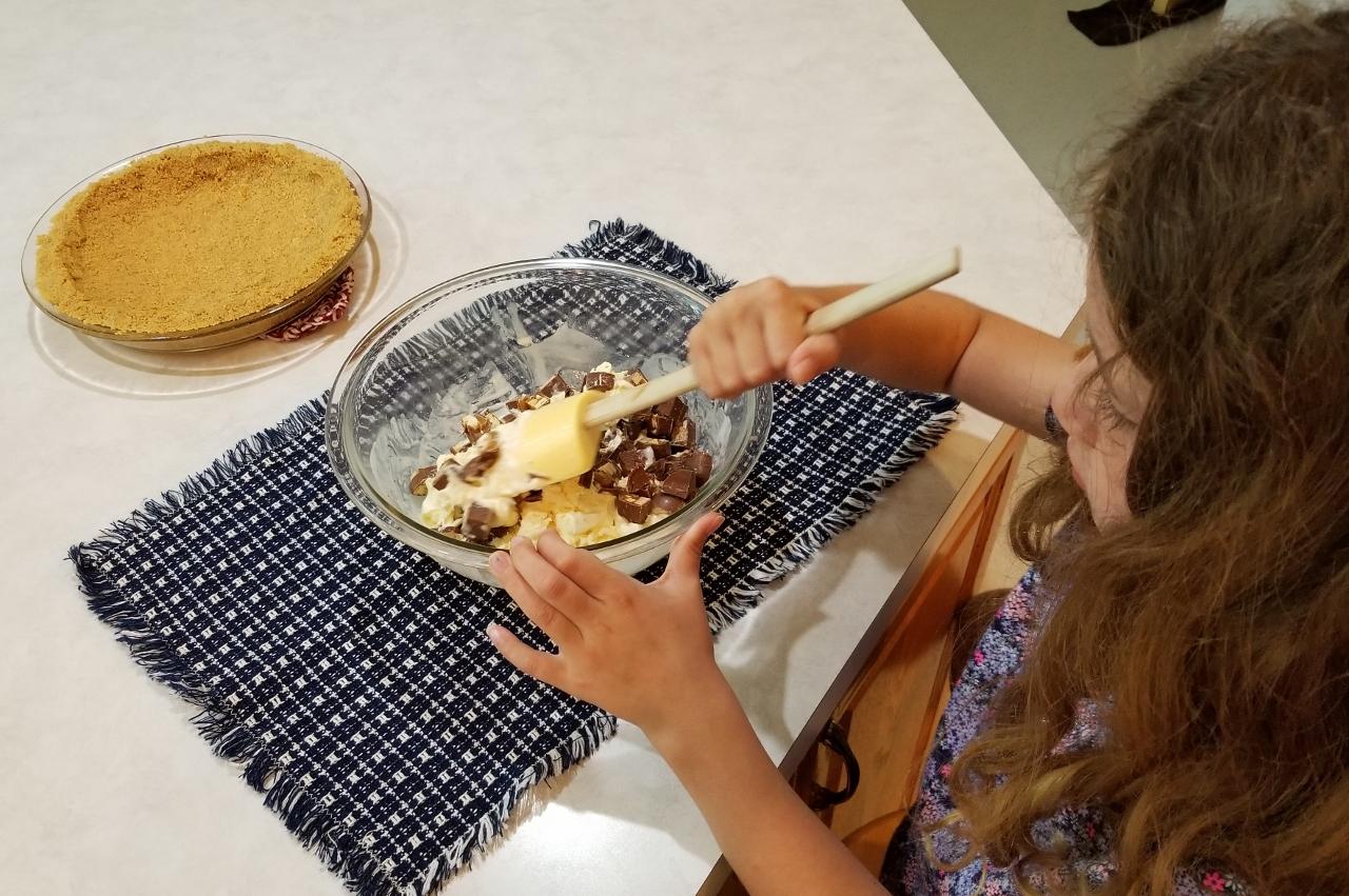 stirring the ice cream pie filling
