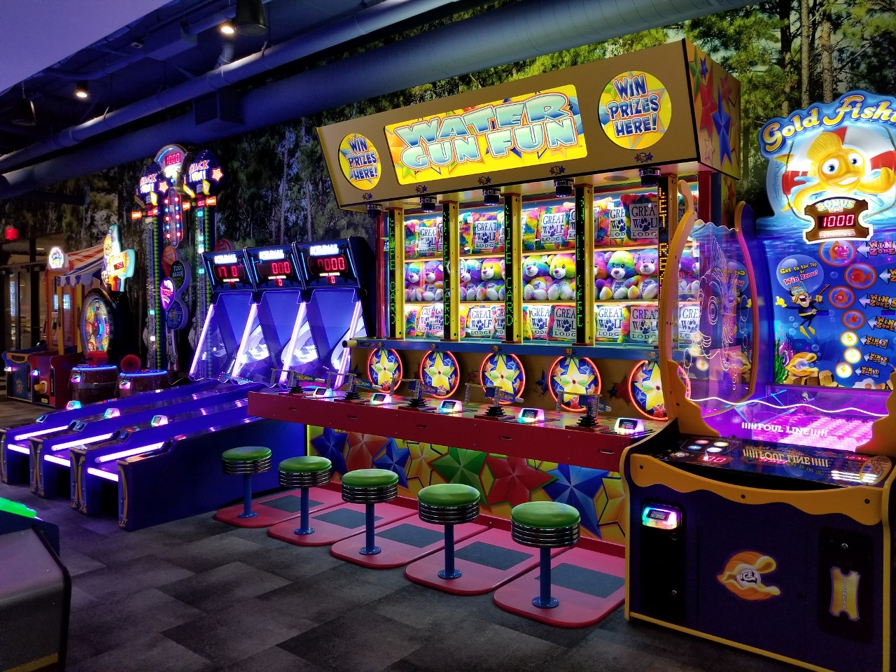 A section of the arcade at great wolf lodge in bloomington minnesota