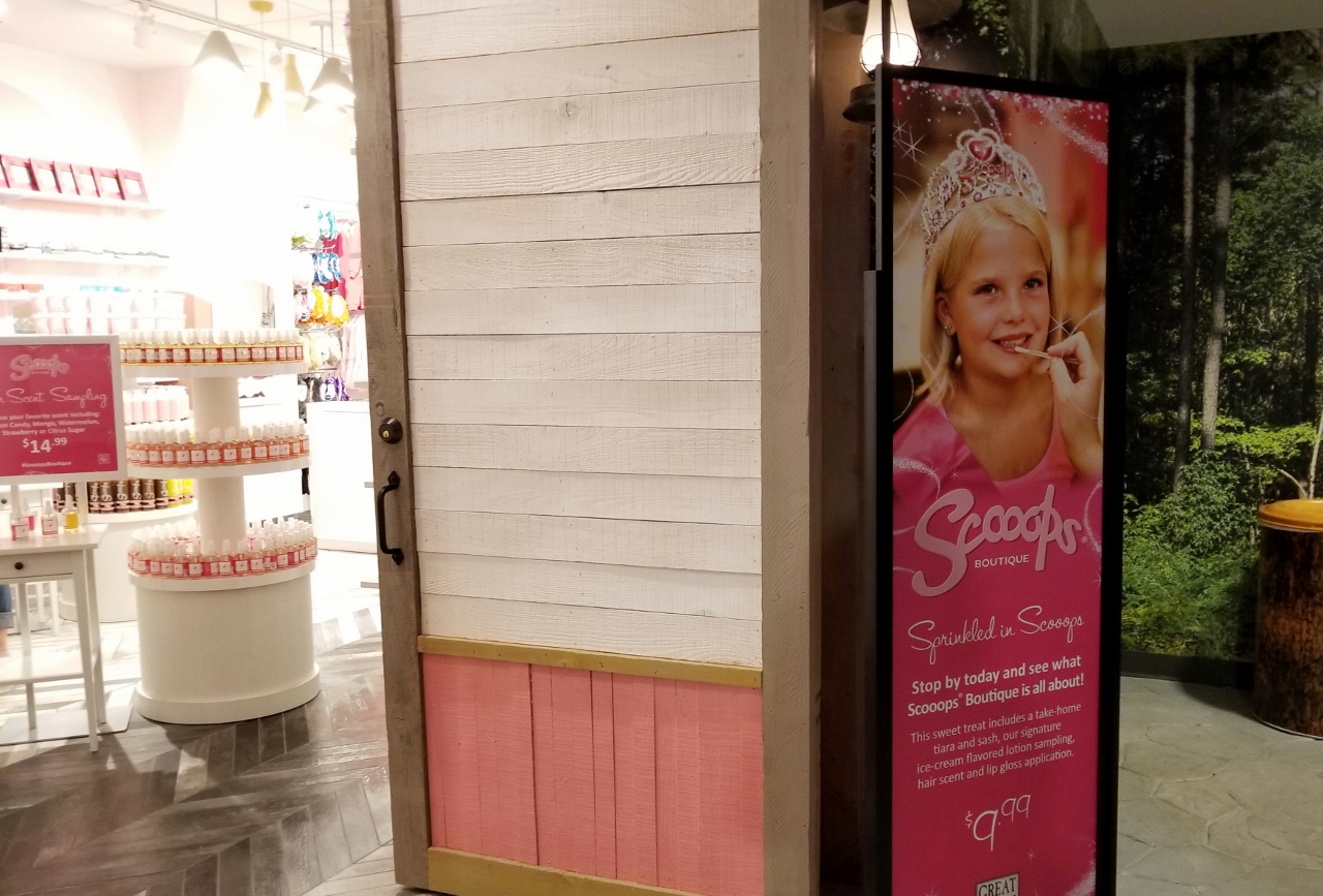Scooops Boutique at great wolf lodge in bloomington minnesota