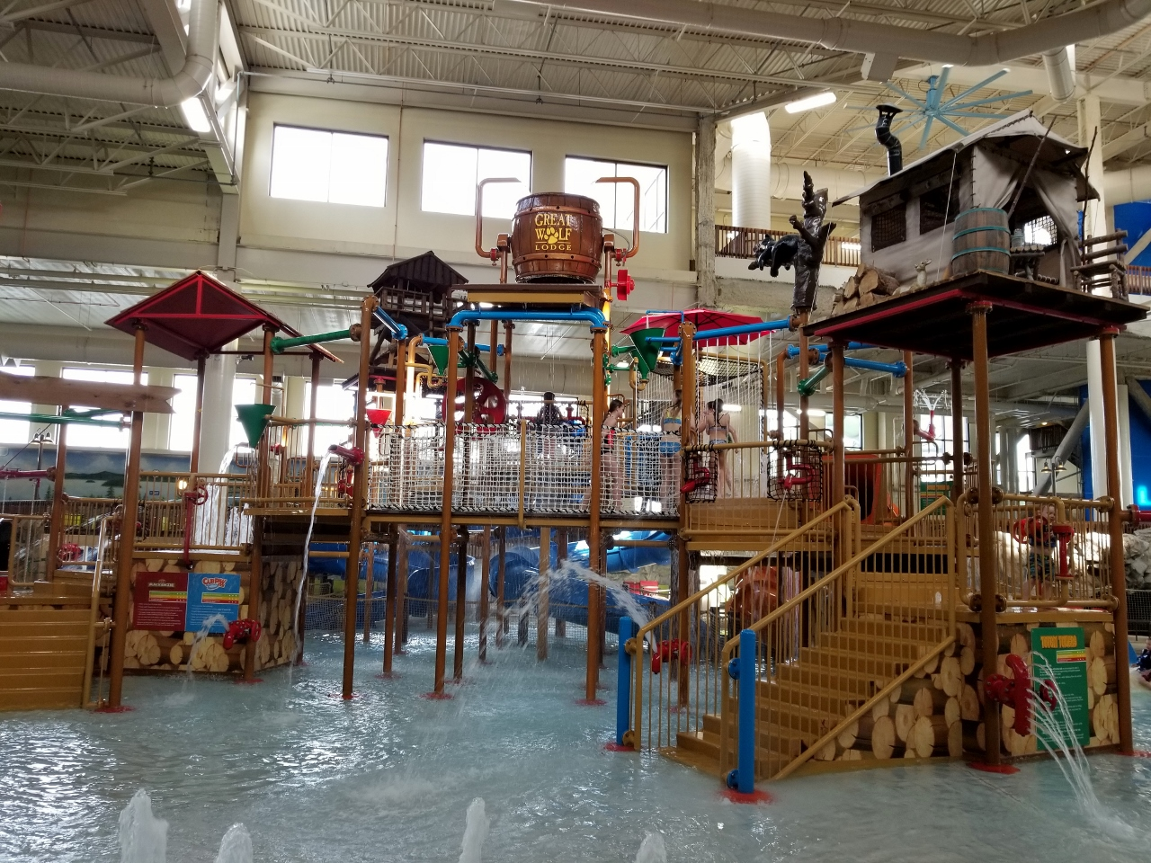 fort mackenzie water park great wolf lodge in bloomington minnesota