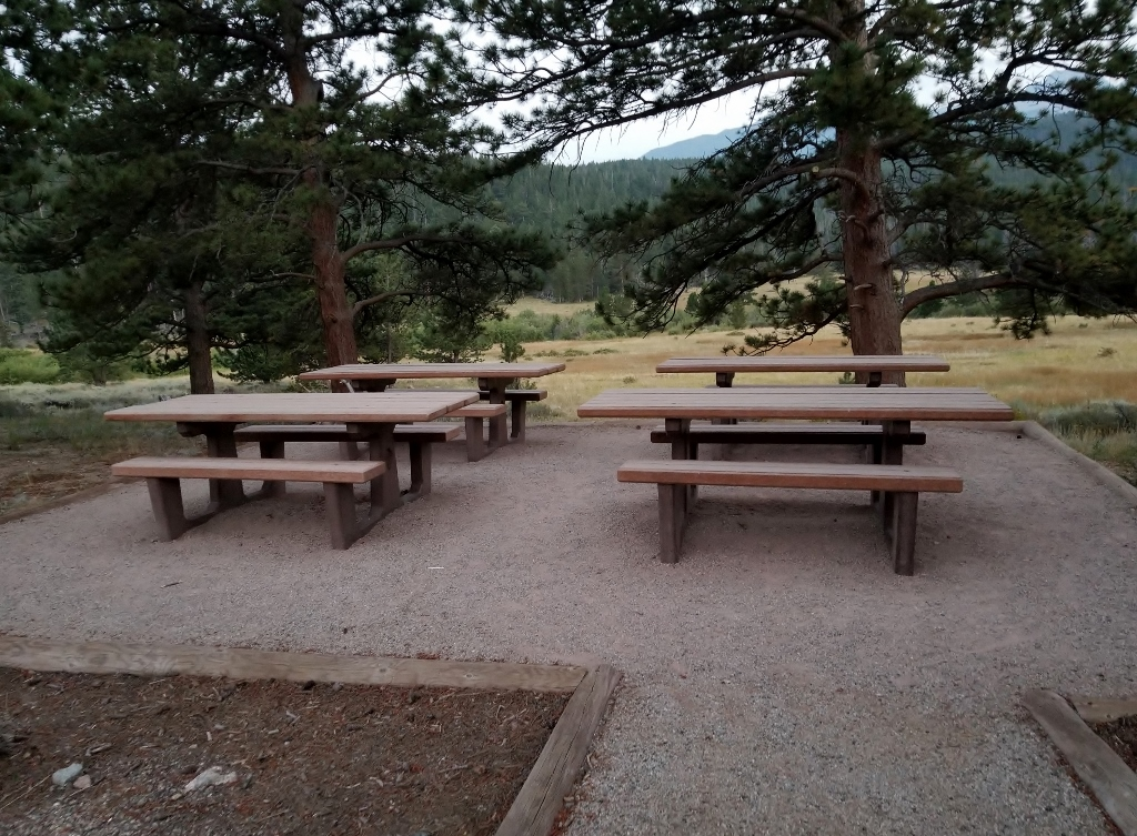 picnic in rocky mountain national park