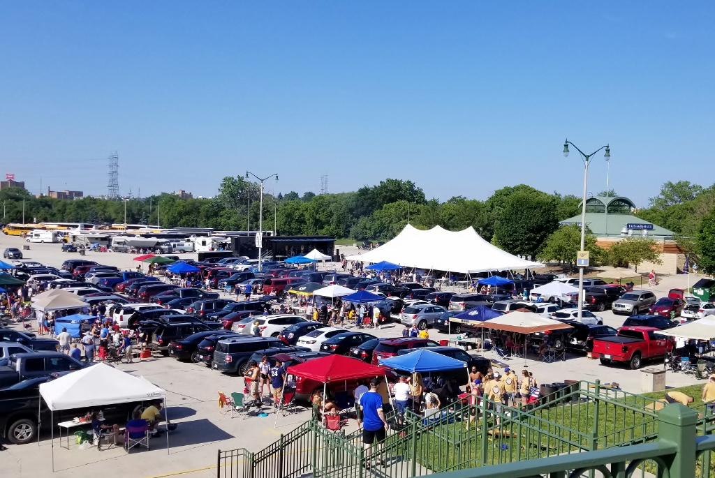 tailgating tips at Miller Park